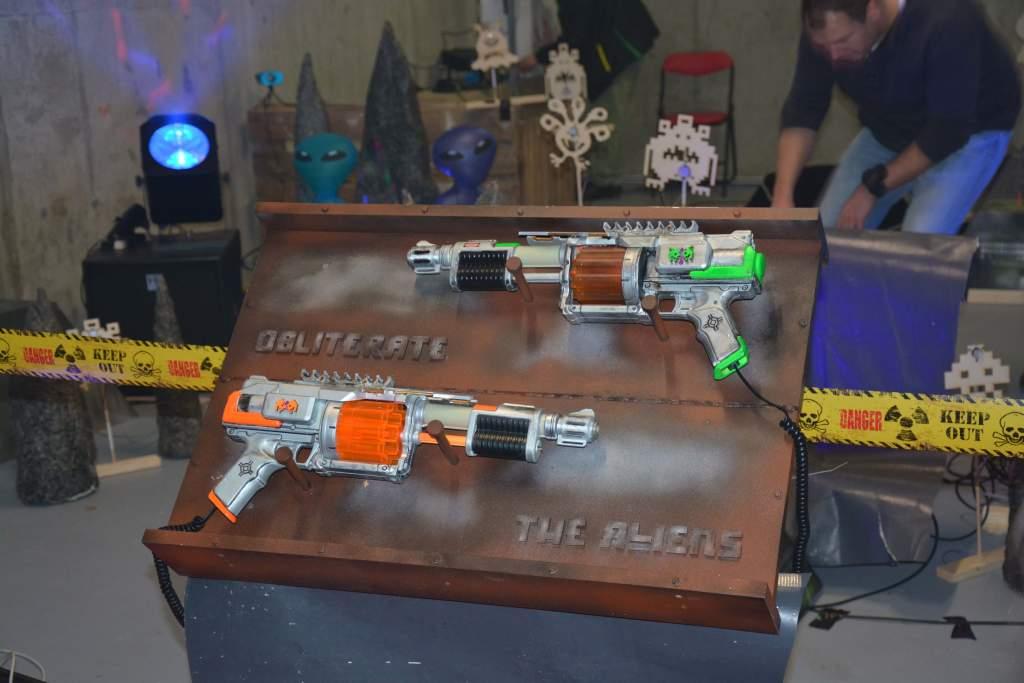 hacksapce_ffm_alien_guns