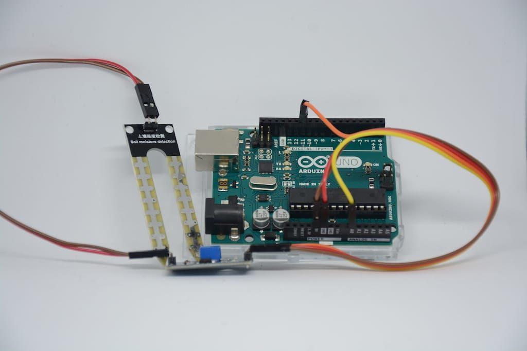 Bodenfeuchtesensor Aufbau mit Arduino